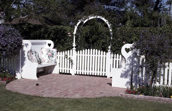 Picket Fence, Arbor and Benches - Project Number 503519